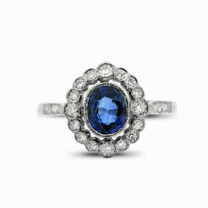 Vintage Blue Sapphire & Diamond Cluster Ring